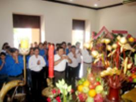 Dâng hương tưởng niệm Chủ tịch Hồ Chí Minh nhân dịp 02/9