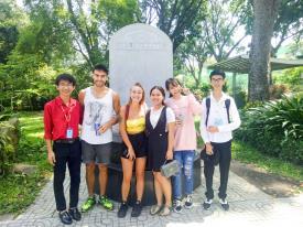 SINH VIÊN KHOA NGOẠI NGỮ VỚI CUỘC THI OLYMPIC TIẾNG ANH TOÀN QUỐC