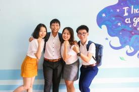 Sinh viên Khoa ngoại ngữ trong một chuyến đi đến đảo Thạnh An, Cần Giờ