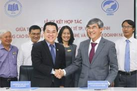 Ký kết Đào tạo Liên thông giữa Cao đẳng CTIM và Đại học Kinh tế TP.HCM