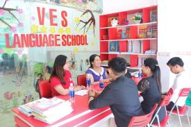 Sinh viên ngành Ngôn ngữ Anh thực tập tại Hệ thống Hội Việt Anh Trung tâm Anh ngữ Tương lai mới