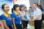 Hiệp hội các DN, KCN TP.HCM (HBA) và Tập đoàn Lam Sơn trao tặng quà cho Sinh viên CTIM